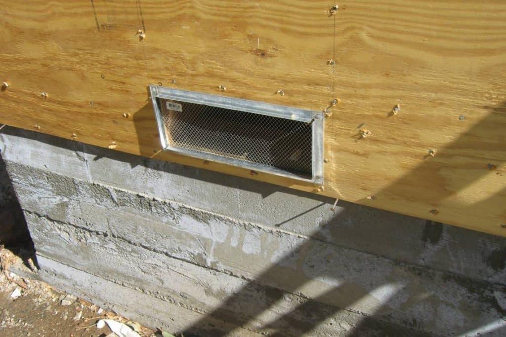 California earthquake foundation retrofitting - A concrete foundation beneath a home.